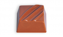 Milk chocolate with feuilletine (french biscuits)