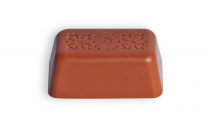 Milk chocolate with roasted peanuts, soft nougat and caramel